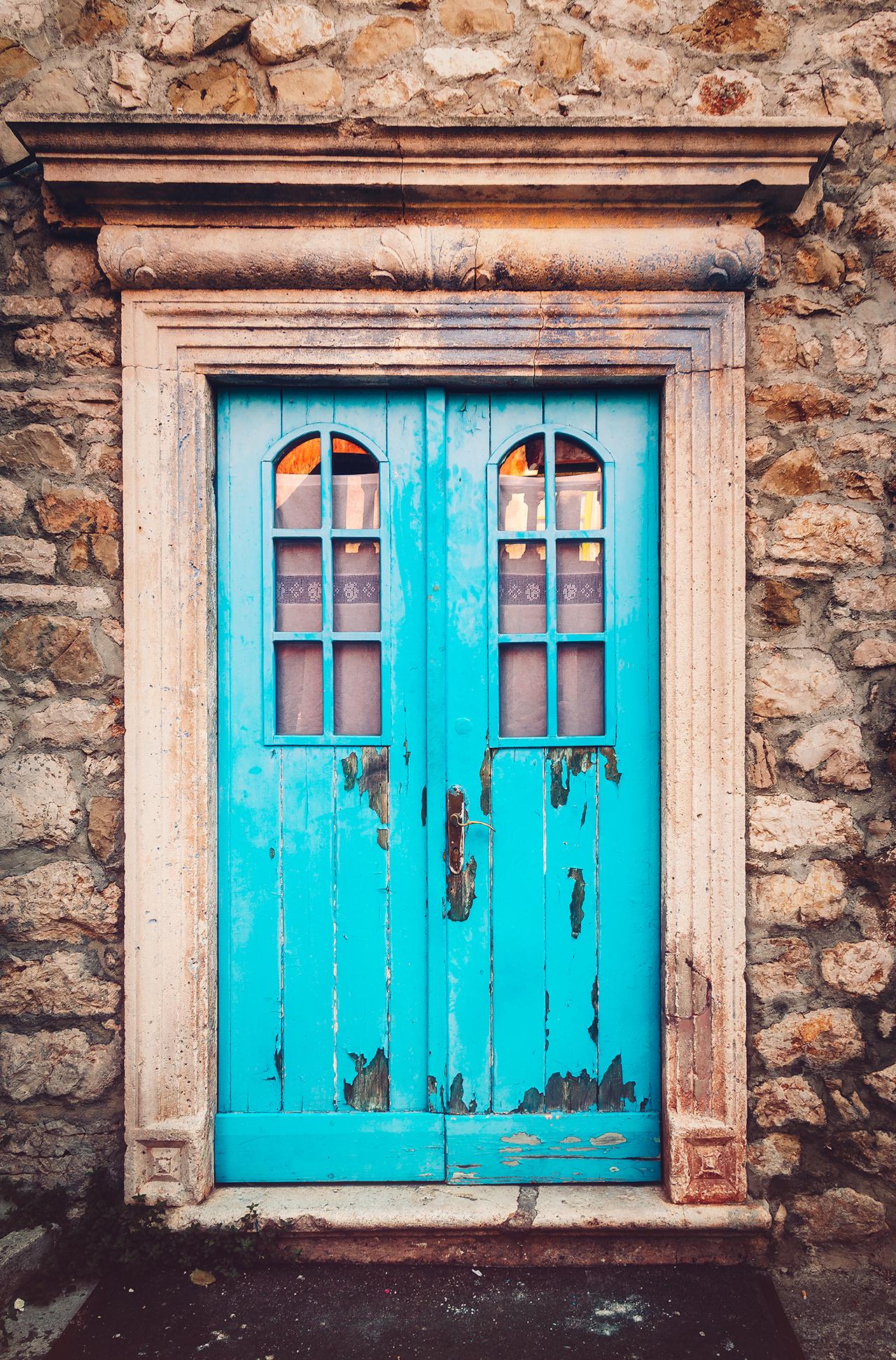 bluedoor0